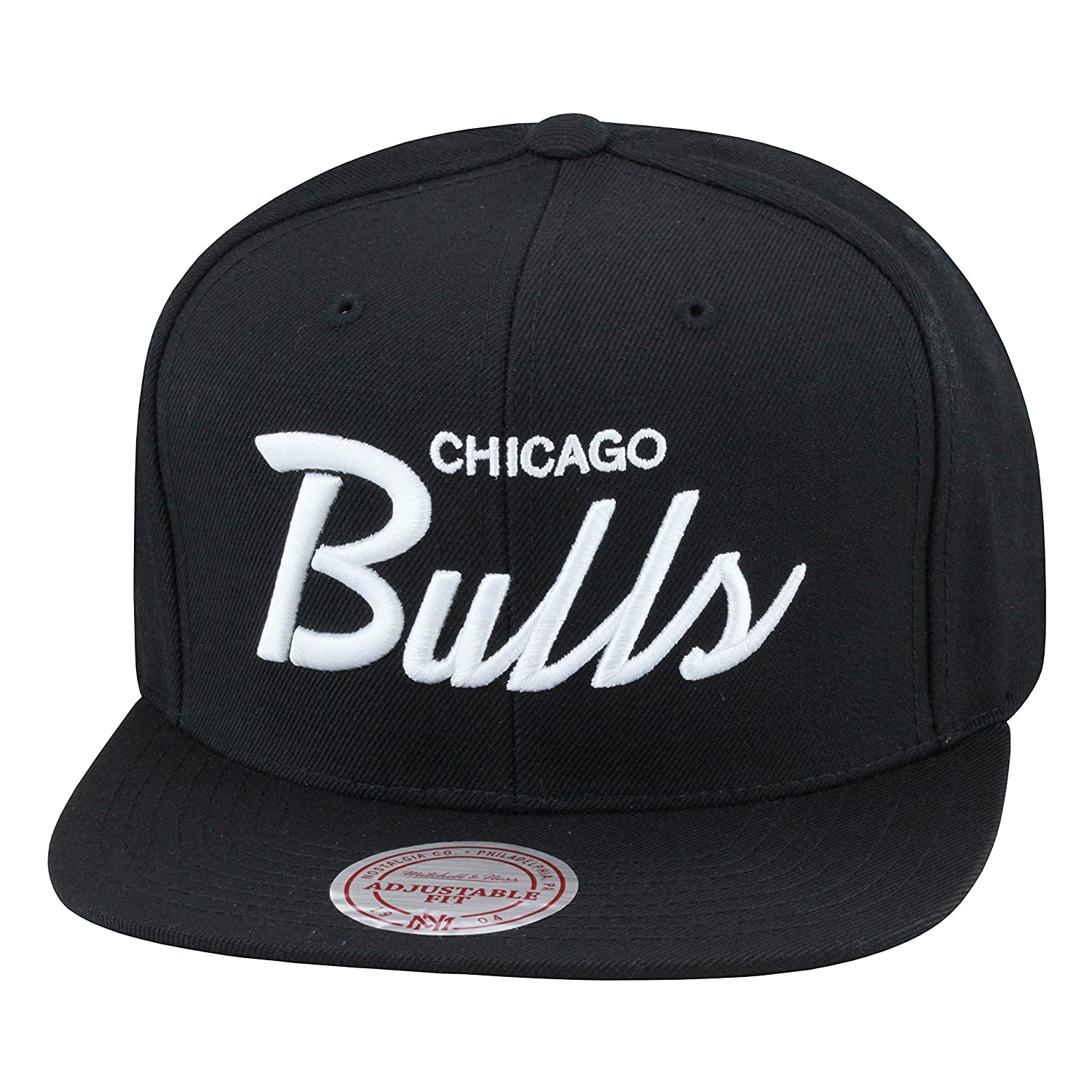 38d815aad6b Amazon.com  Mitchell   Ness Chicago Bulls Snapback Hat All Black White