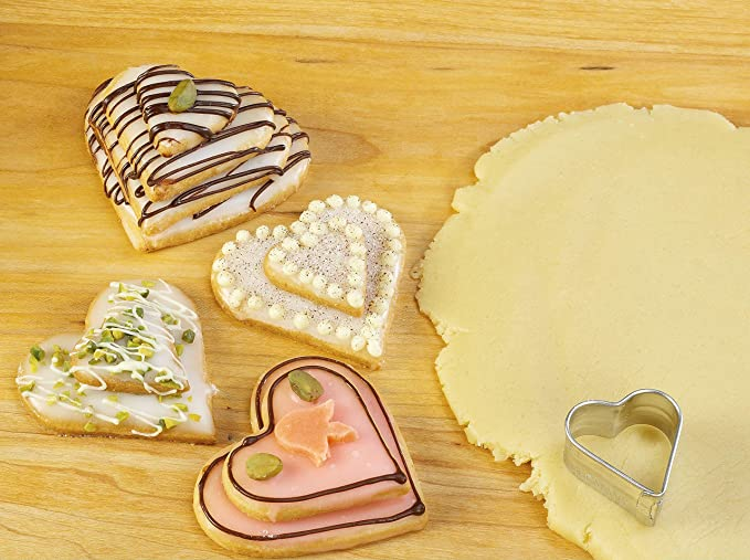 Zenker Set Of 4 Heart Shape Cookie Cutters Material Ss Baking Tools & Accessories at amazon
