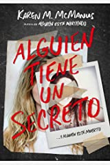 Alguien tiene un secreto / Two Can Keep a Secret (Spanish Edition) Paperback