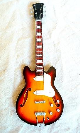 Guitare Miniature Mini Guitar Guitare Fender 24 cm à la main décoratif en bois # 143: Amazon.es: Instrumentos musicales