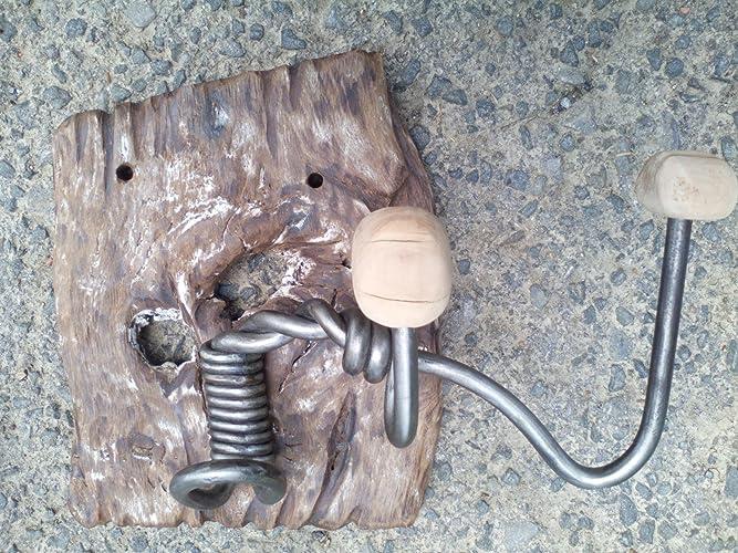 Perchero de hierro forjado y madera reciclada.: Amazon.es ...