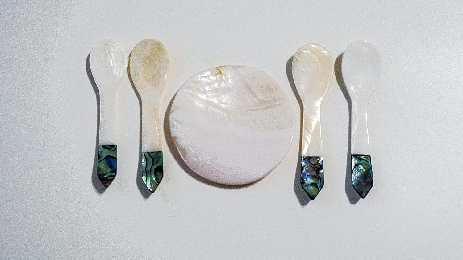 Abalone Shell Blue Tip Soft Water Mother Pearl Spoon (3.5 Inch) (4 Set) + (1 Plate)