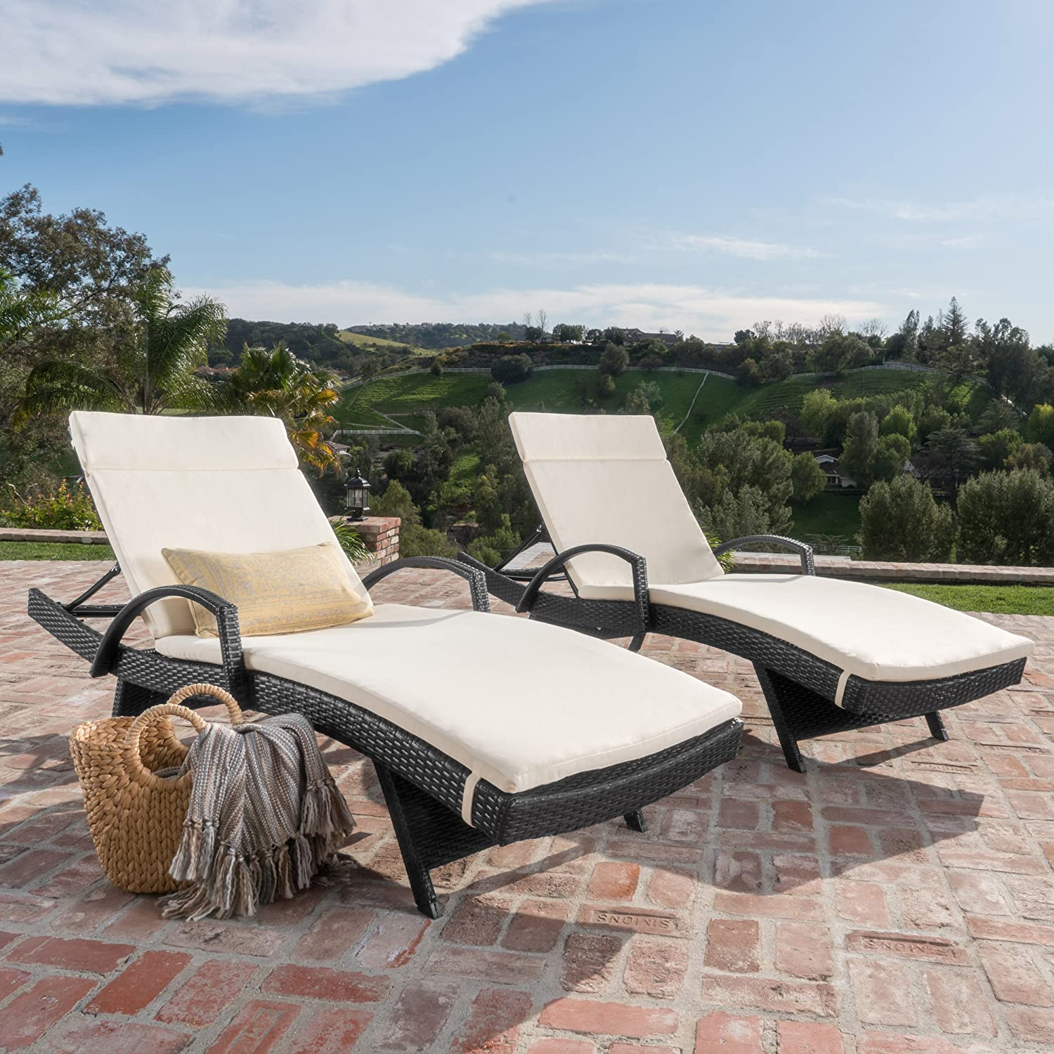 Amazon Com Olivia Patio Furniture Outdoor Wicker Chaise Lounge Chair With Arms W Water Resistant Cushions Set Of 2 Grey With Beige Garden Outdoor