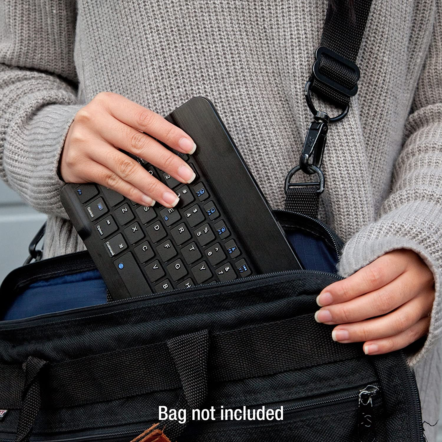 Keyboard 10.1 in Portable Keyboard with Integrated Commands for Azpen A1040 10.1 in SlimKeys Bluetooth Keyboard - Jet Black BoxWave Azpen A1040