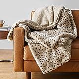 "Amazon Basics Fuzzy Faux Fur Sherpa Throw Blanket, 50""x60"" - Beige Animal Print"