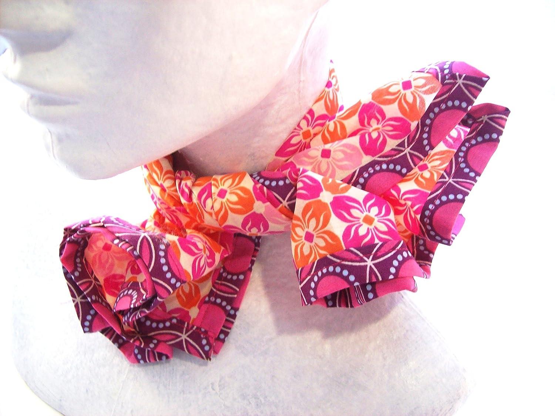 foulard femme a motifs graphiques rose et orange , bandana en voile de coton a fleurs .
