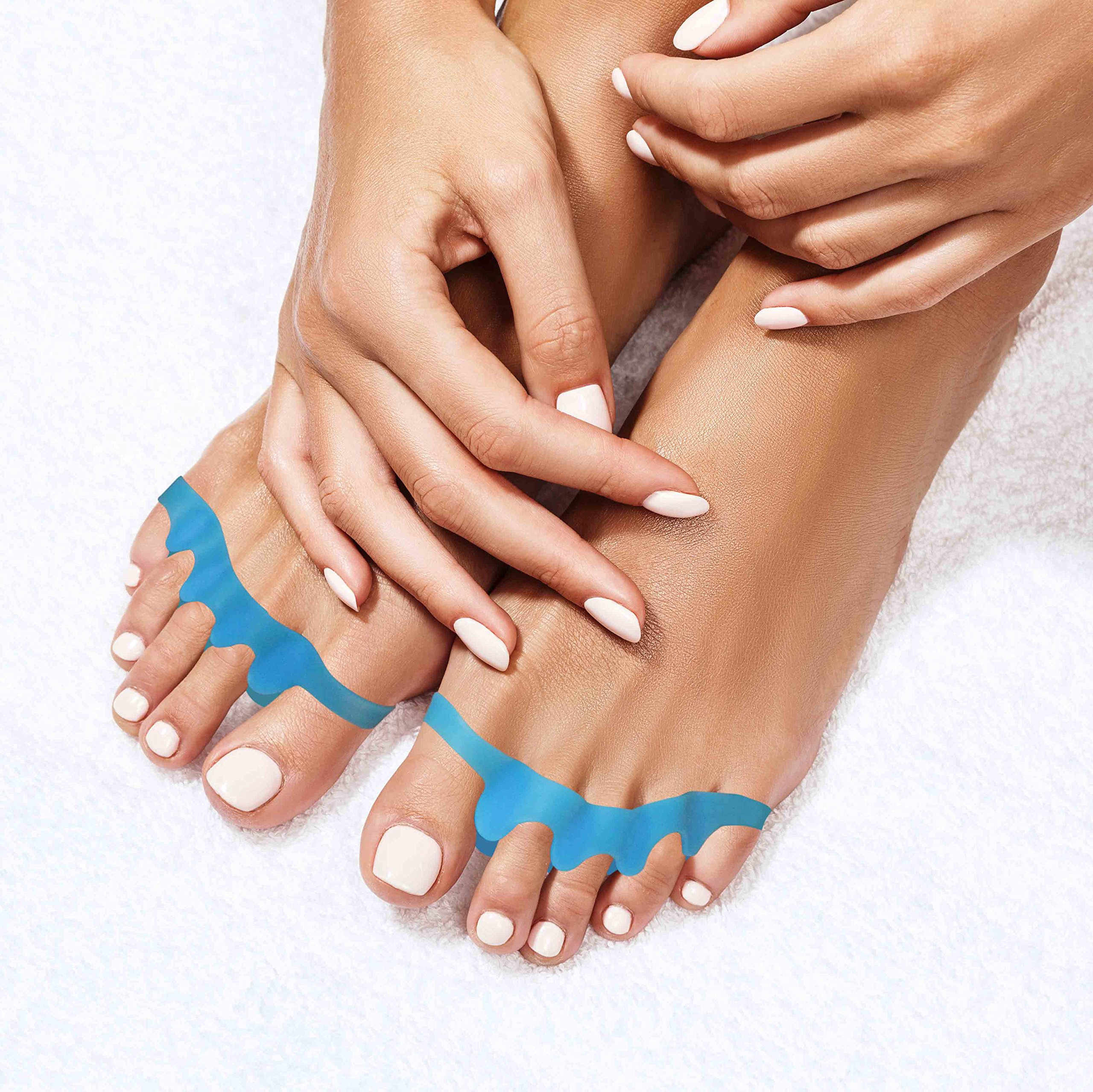 Toe Separators By Pedicura – Gel Toe Stretcher For Bunions & Overlapping Toes – Toe Straightener With Anti-Inflammatory Essential Oils For Pain Relief – Ergonomic Design For Sports Activities (Blue) by Pedicura (Image #1)