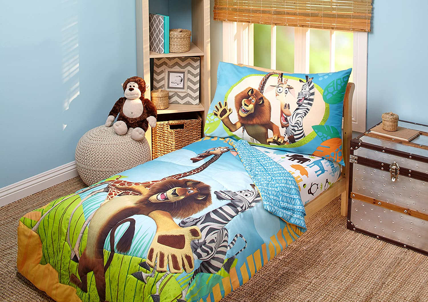 amazoncom disney dreamworks animation madagascar behold my mane 4 piece toddler bedding set toddler baby