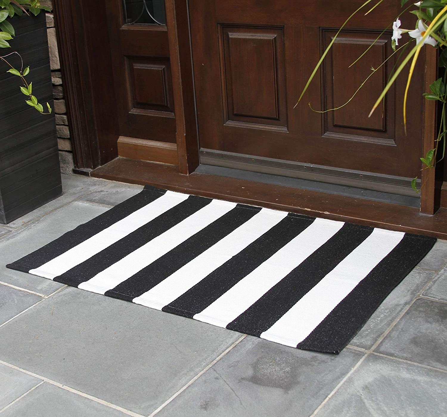 NANTA Black and White Striped Rug 27.5 x 43 Inches Cotton Woven Washable Outdoor Rugs for Farmhouse Layered Door Mats Stripe Carpet