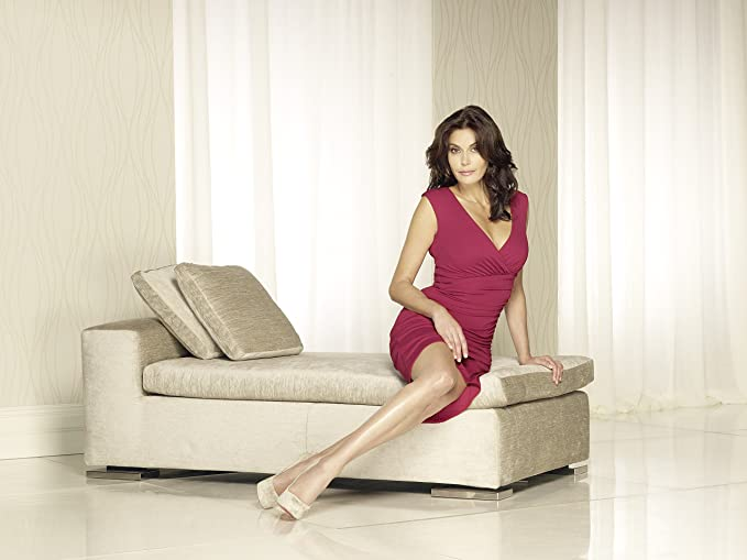 Teri Hatcher Sexy Hot Posing On Couch Pink Dress 8 Inch X 10 Inch