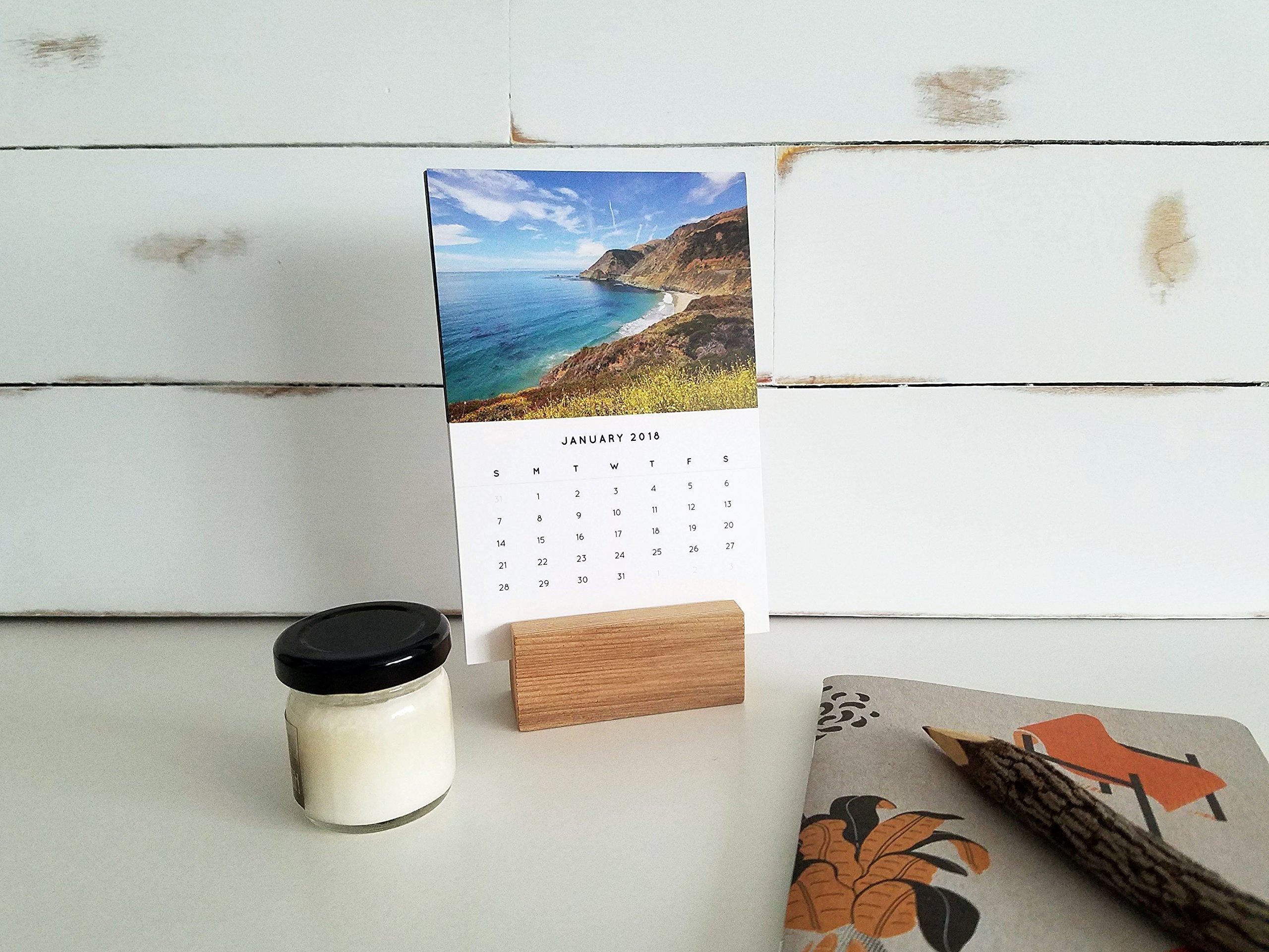 2018 Desktop Calendar with Wood Stand