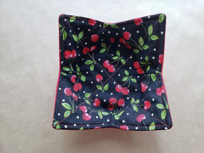Revisible Cherries Bowl Cozy