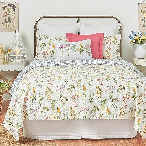 Amazon Com C F Home Genevieve Floral Full Queen Cotton Quilt Set Reversible Machine Washable Bedding Spring Floral Flower Garden Full Queen 3 Piece Set Yellow Home Kitchen