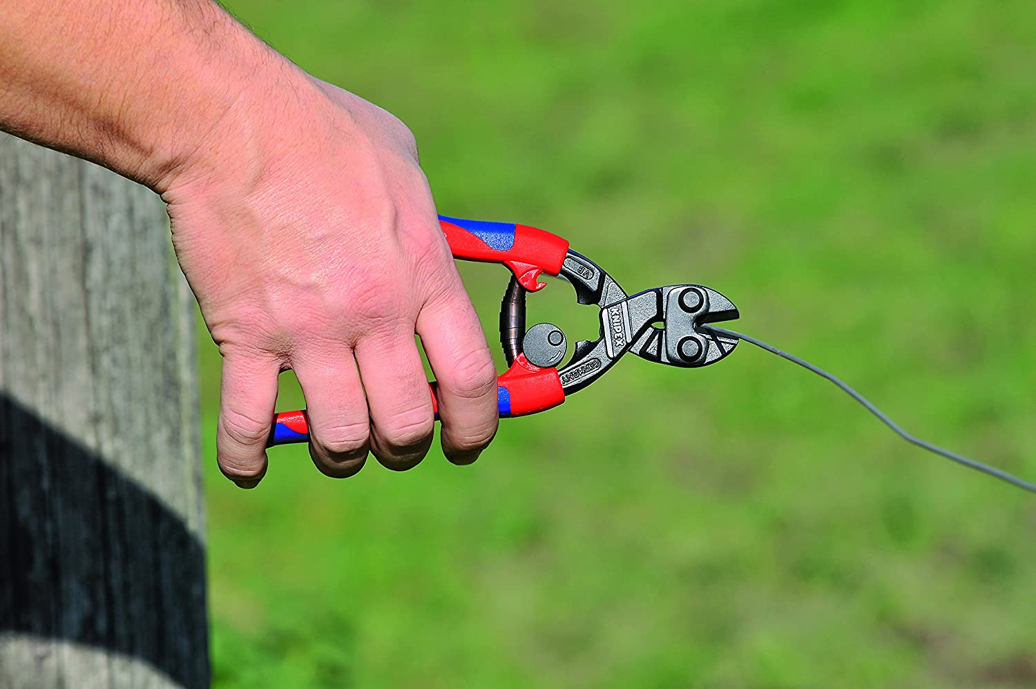 Knipex 71 12 200 CoBolt compact bolt cutters handles with multi-component grip opening spring 200 mm