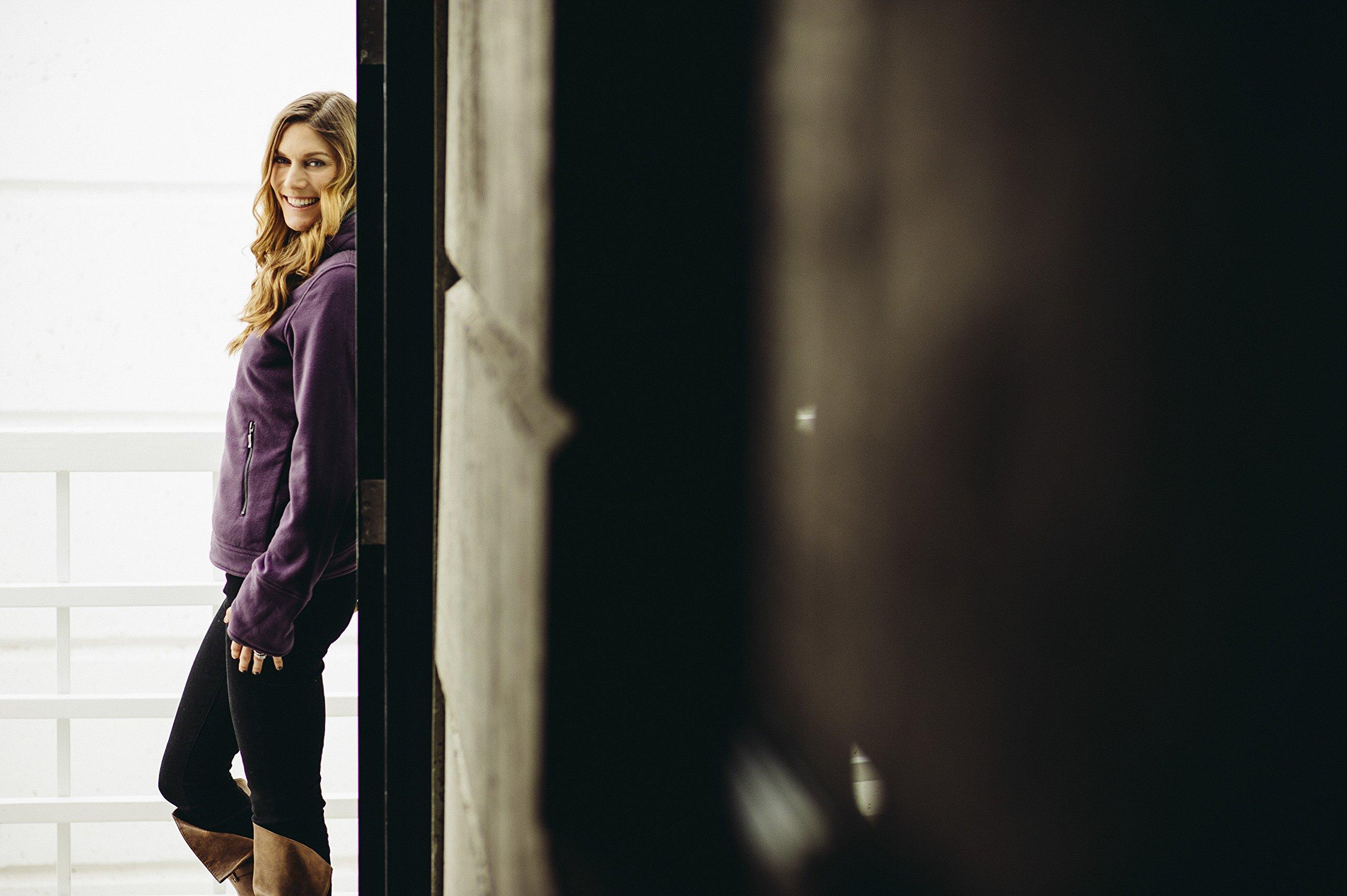 SCOTTeVEST Chloe Hoodie - 14 Pockets - Travel Clothing, Pickpocket Proof DAR S by SCOTTeVEST (Image #4)