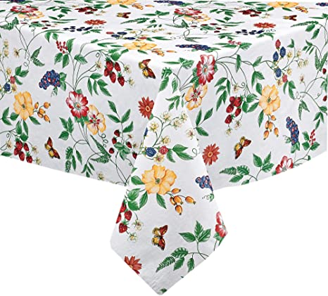 Amazon Com English Berry Garden Heavy 4 Gauge Vinyl Flannel Backed Tablecloth Strawberry Garden Floral Indoor Outdoor Wipe Clean Picnic Kitchen Dining Room Tablecloth 60 X 104 Oblong Rectangle Home Kitchen