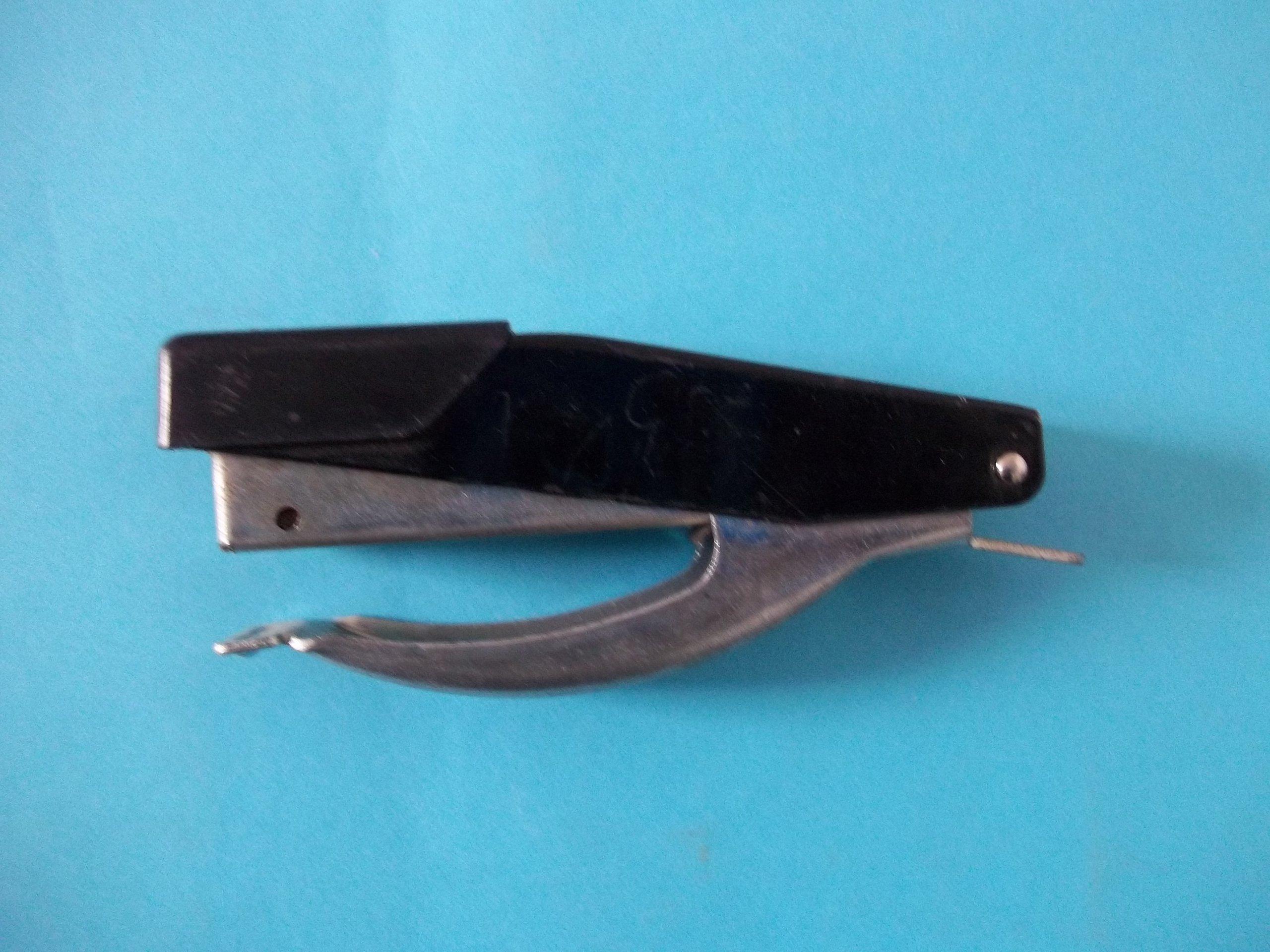 Bostitch(R) Compact Stapling Plier Black B9P