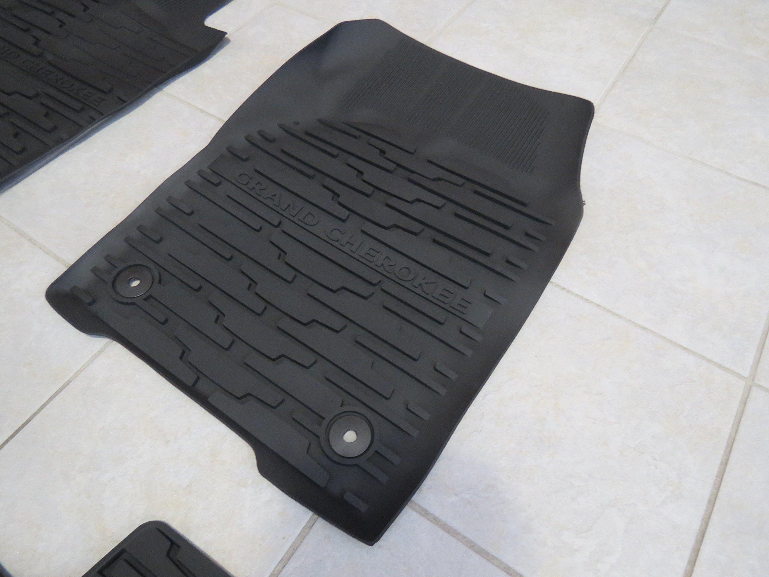 Jeep Grand Cherokee Rubber Slush Floor Mats & Cargo Tray Liner Set Mopar by Mopar (Image #4)