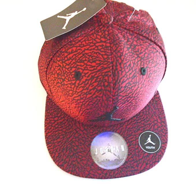 8ab12eb8fa2 Nike Air Jordan Retro 3 4 Elephant Print Court Cap Red Black Snapback Hat  Youth 8-20  Amazon.ca  Clothing   Accessories