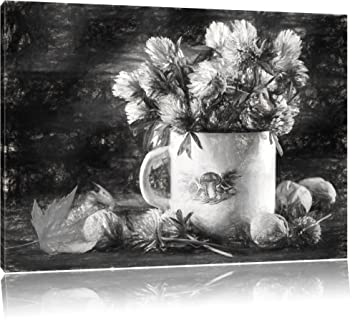Petites Fleurs De Trèfle En Pot Avec Des Noix Format 100x70 Sur