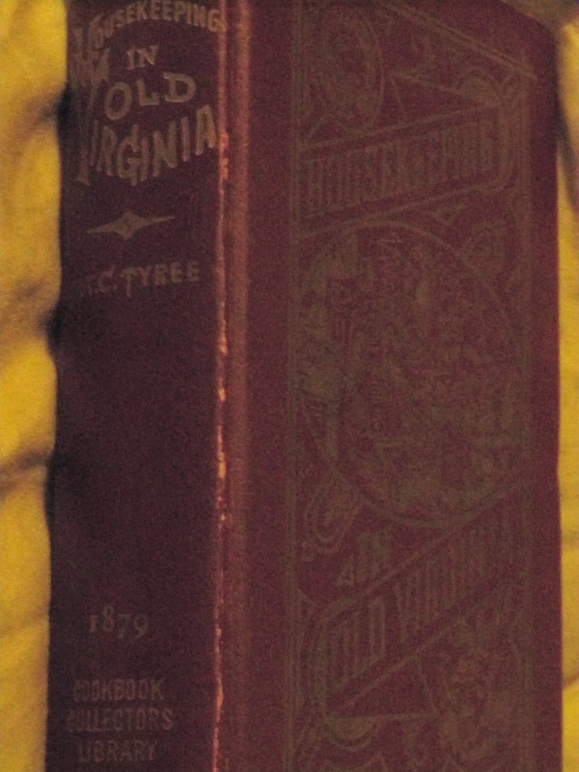 Download Housekeeping In Old Virginia (Housekeeping In Keeping In Old Virginia, Cookbook Collectors Library) pdf epub