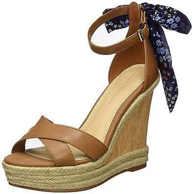 b82bb8757e819d Tommy Hilfiger Women s B1285eatrice 9c Wedge Heels Sandals  Amazon ...