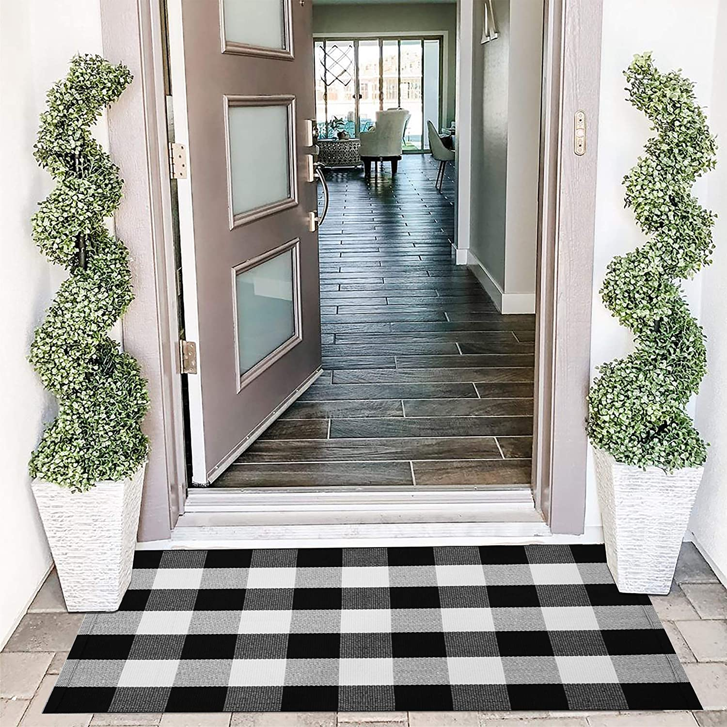 EARTHALL Buffalo Plaid Outdoor Rug 27.5 x 43 Inches Cotton Hand-Woven Checkered Front Door Mat, Outdoor Rugs for Layered Door Mats Porch/Front Porch/Farmhouse Black and White