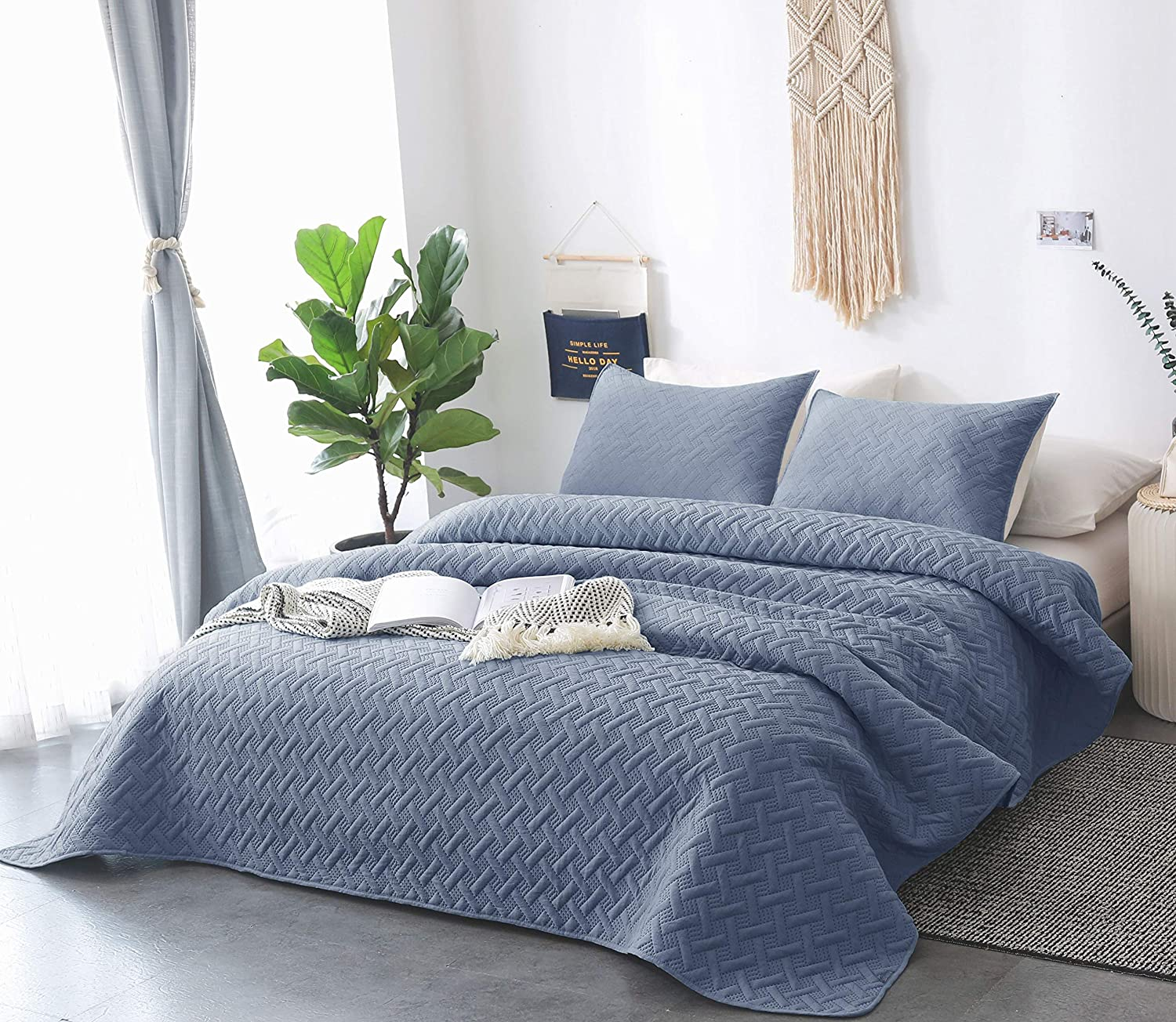 DAWNDIOR Bedding Quilt Sets,Multipurpose As Bedspread and Thin Comforter  with 5 Shams,Popular Heat Pattern Design and Solid Color(Queen)