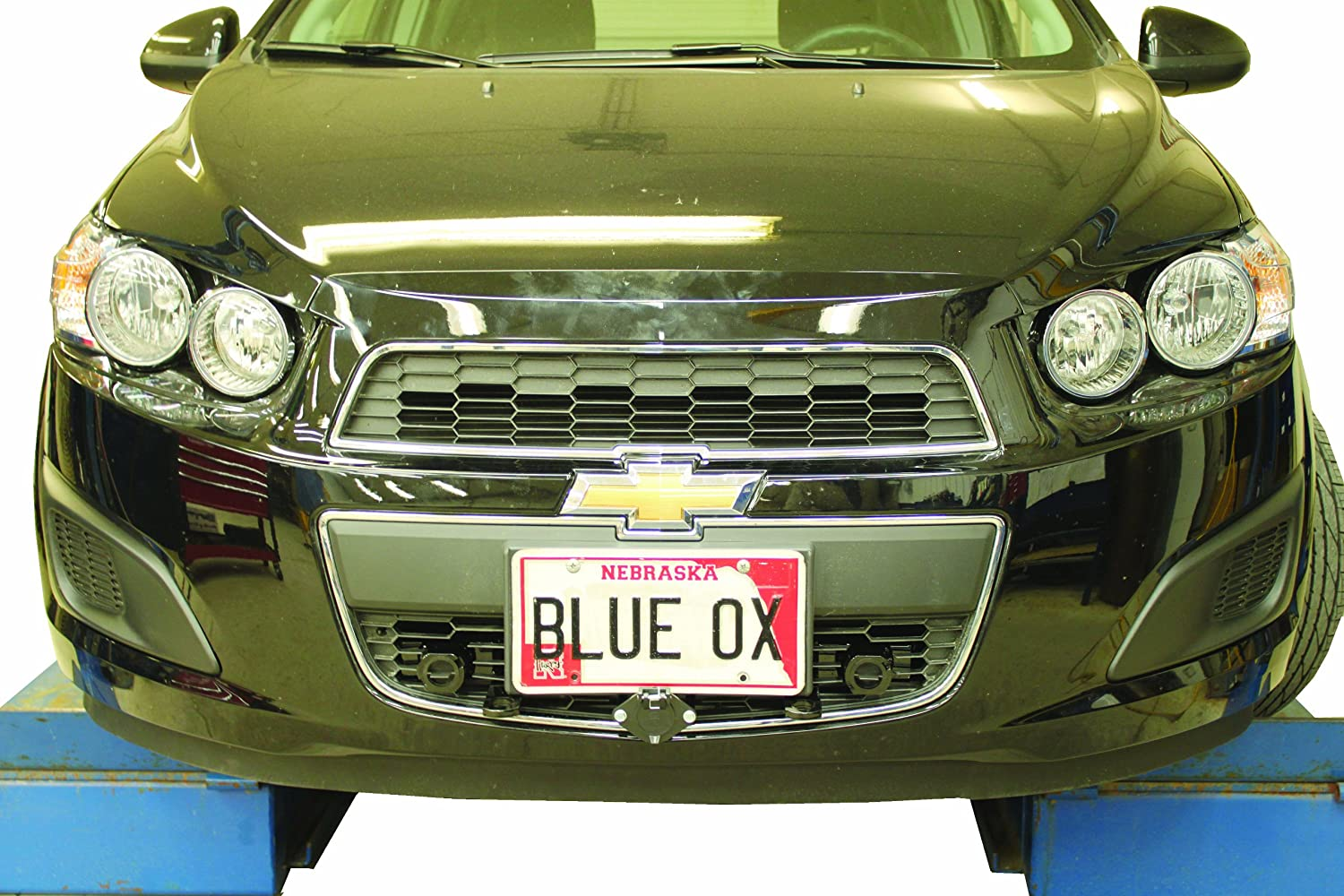 Chevrolet Sonic Repair Manual: Rear Bumper Fascia Tow Eye Access Hole Cover Replacement