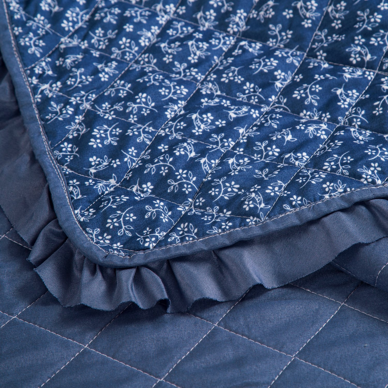 Flowers Quilts Diamond Stitching Coverlet Set Full/Queen Size (90\