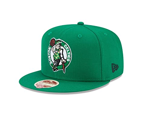Amazon.com   NBA Classic Wool Fitted 59FIFTY Cap   Sports   Outdoors 989ba20d234