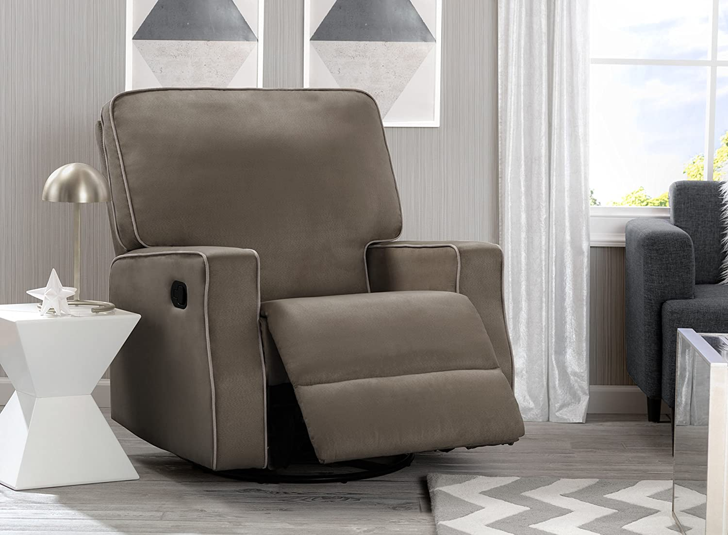 Delta Home Chambers Bay Recliner, Graphite w Dove Grey Welt
