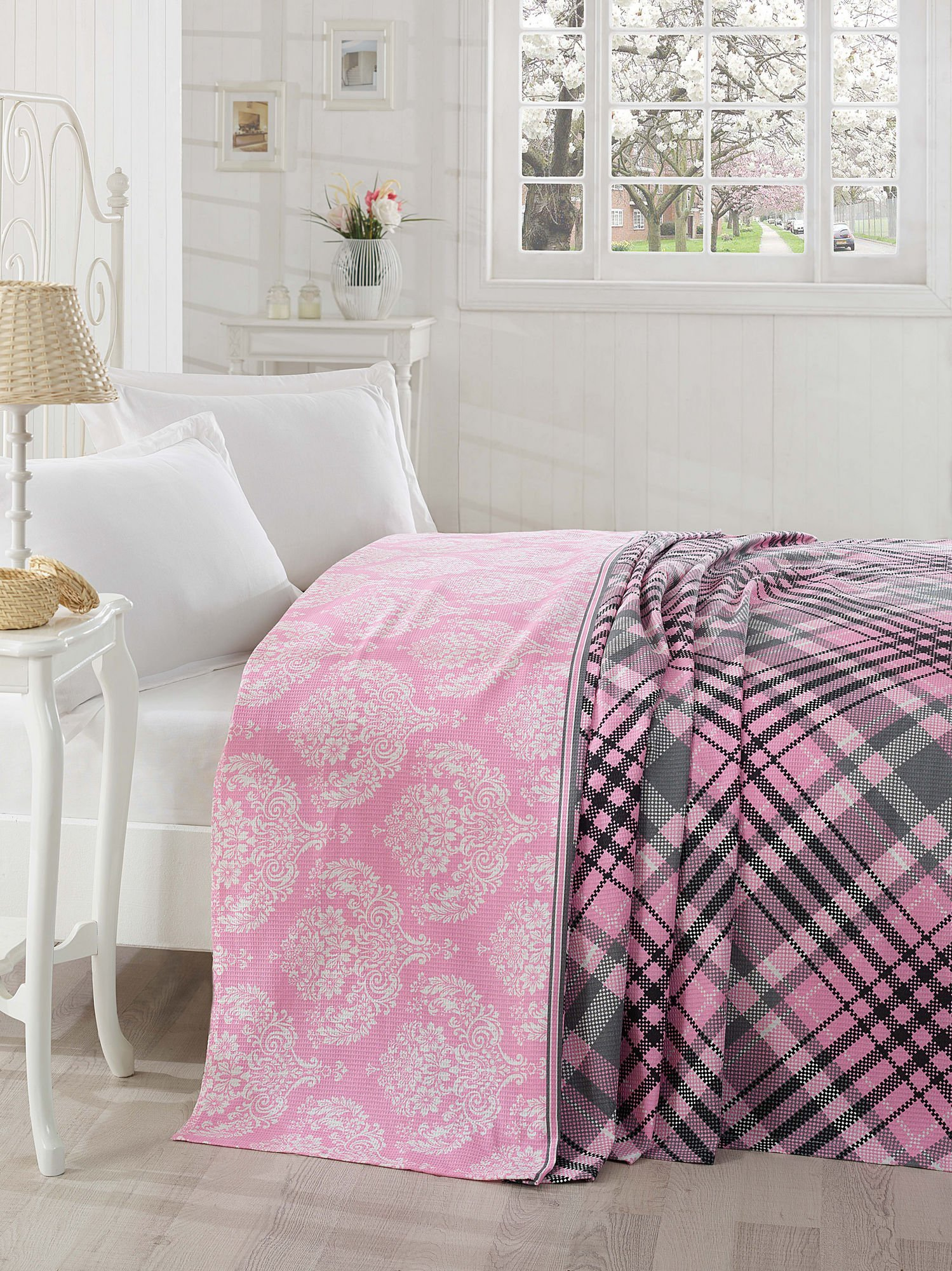 LaModaHome Traditional Coverlet, 100% Cotton - Traditional Motifs, Pink, White, Black Lines - Size (78.7'' x 92.5'') for Queen Bed