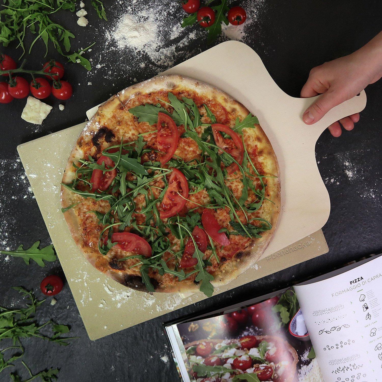 #benehacks Piedra Pizza Ideal para Horno y Parrilla - Hornea Pizza, Pan y Pasteles - Set de Tres Piezas Incluye: Recetario y Paleta de Madera de Pino: ...