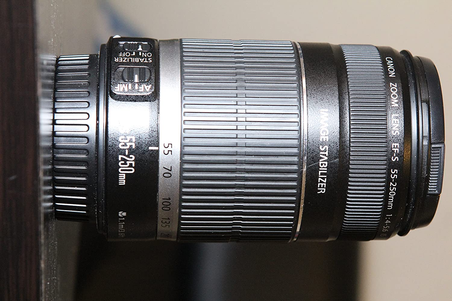 Canon EF-S 55-250mm f/4-5.6 IS Telephoto Zoom Lens for Canon EOS DSLR Cameras (White Box)