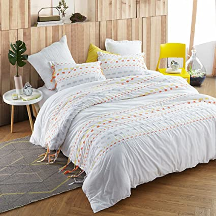 on feet images of half off hot sales Amazon.com: Byourbed Threads Textured Twin Comforter ...