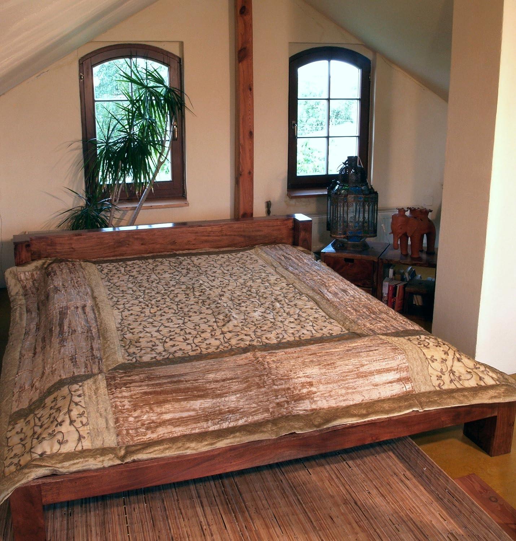 Guru-Shop Brokat- Samtdecke, Tagesdecke, Bettüberwurf - Beige, Synthetisch, 270x230 cm, Patchwork Steppdecke aus Indien