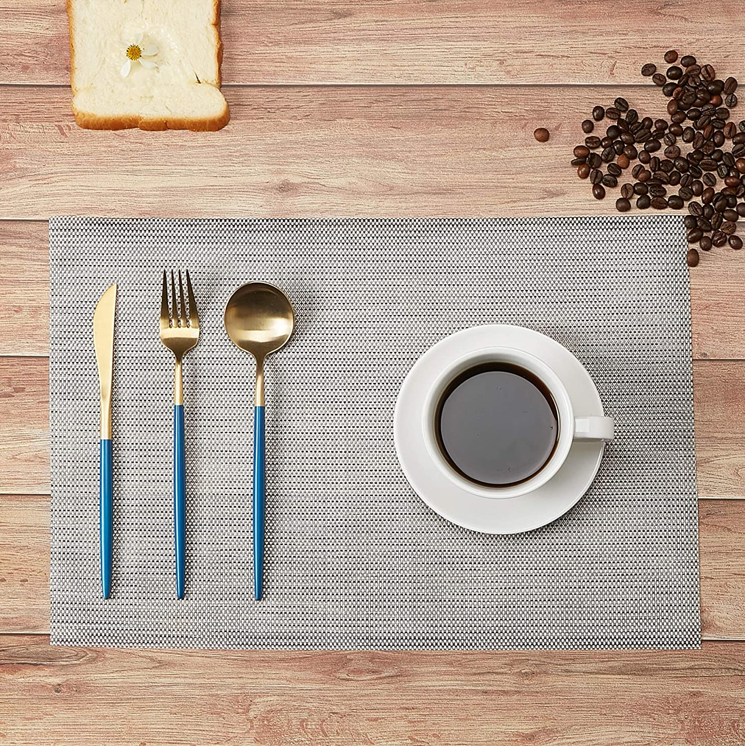 DOLOPL White Place Mats Waterproof Placemats Washable/&Wipeable Table Mats Set of 6 for Dining Table Kitchen Reataurant Table