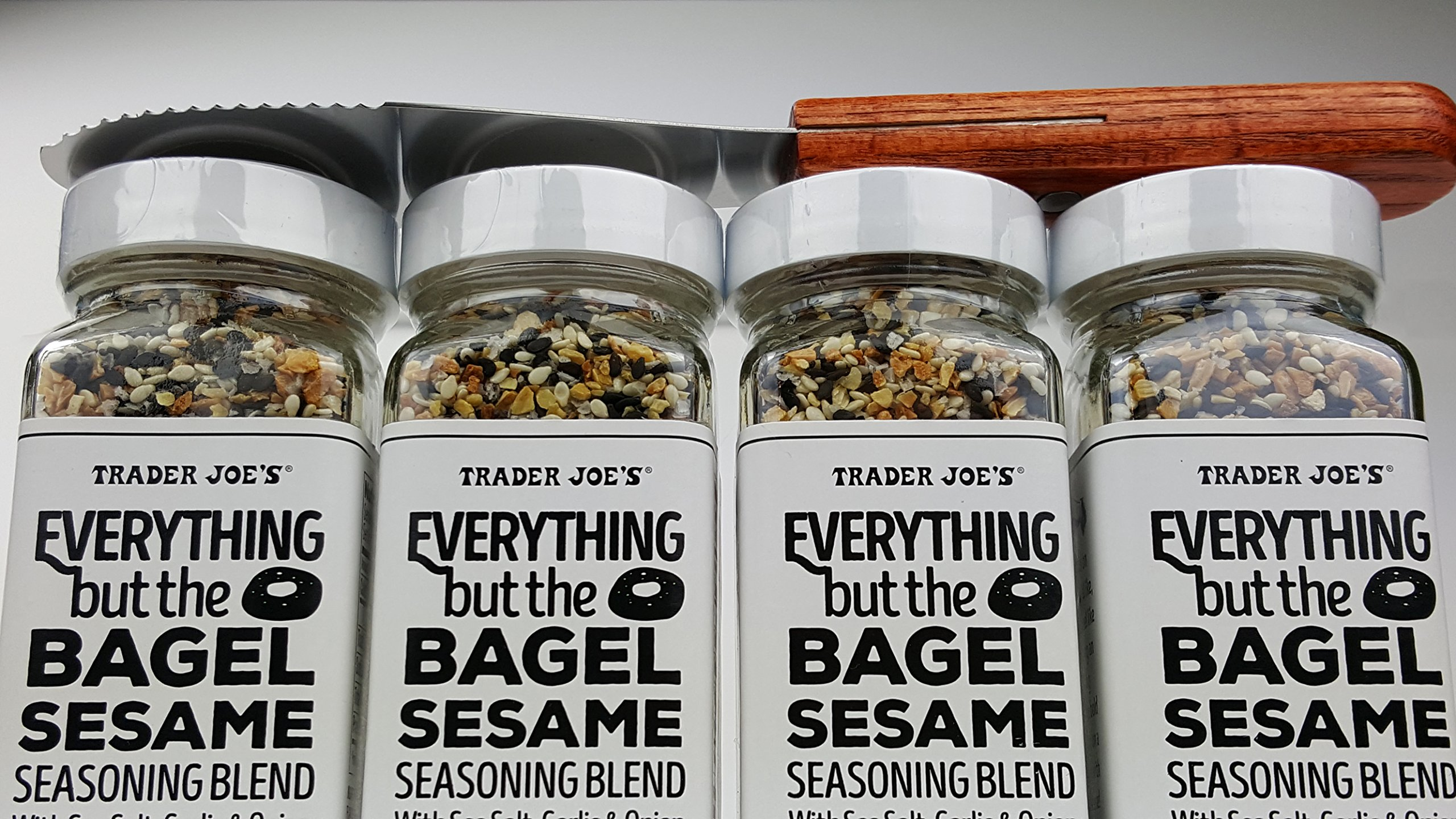 Trader Joes Everything but The Bagel Sesame Seasoning Blend With Sea Salt, Garlic and Onion Bundle - (Pack of 4) and Butter/Cream Cheese Spreading Knife by Unknown (Image #4)