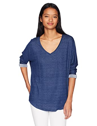 3f93ebd649d Tresics Women s V-Neck Boyfriend T with Front Pocket and Low Shirt ...