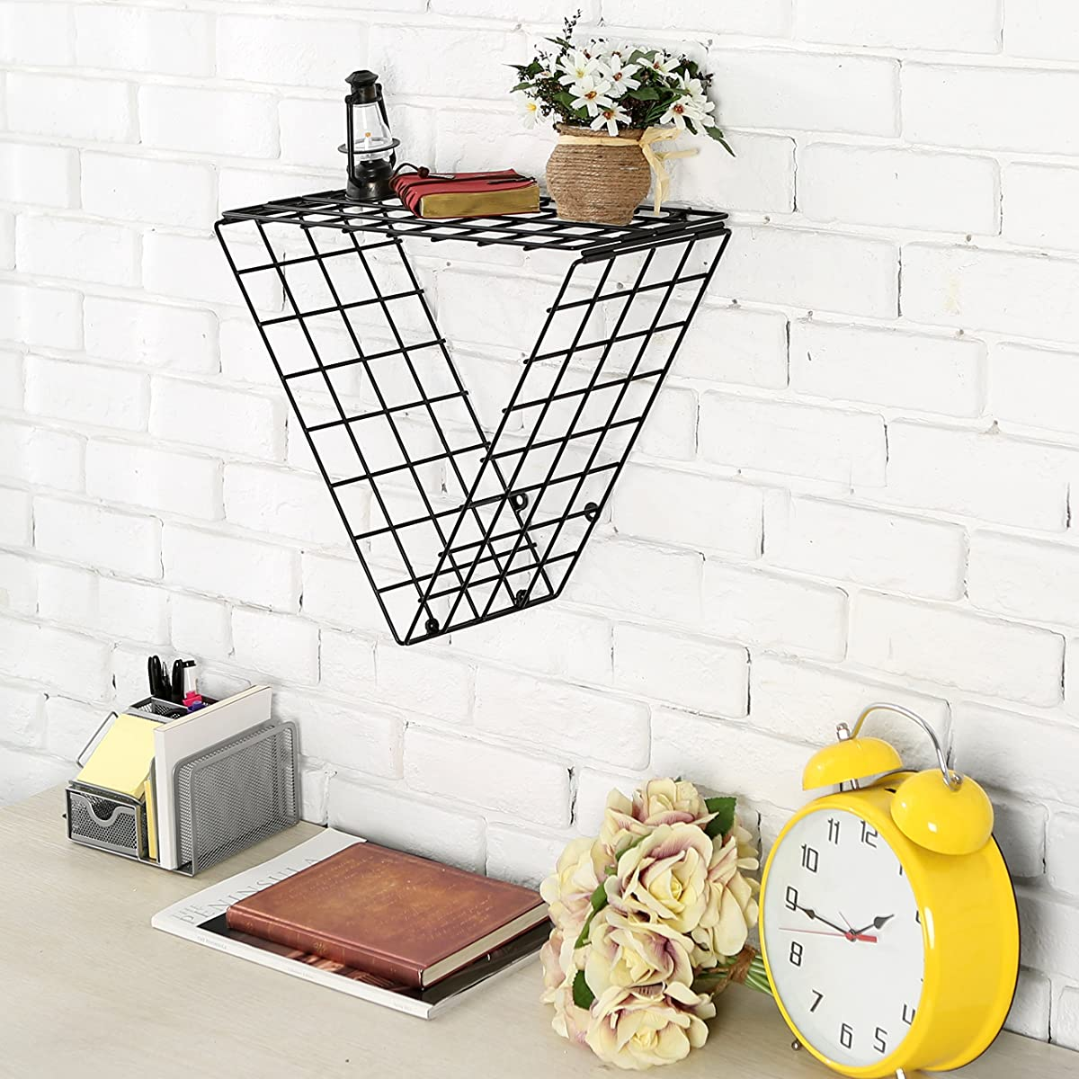 Set of 2 Triangle Black Metal Grid Floating Shelves Wall Mountable Display Racks