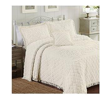 Amazon.com: Lamont Limited Josephine Bedspread, Full, Ivory: Home ... : josephine quilt - Adamdwight.com