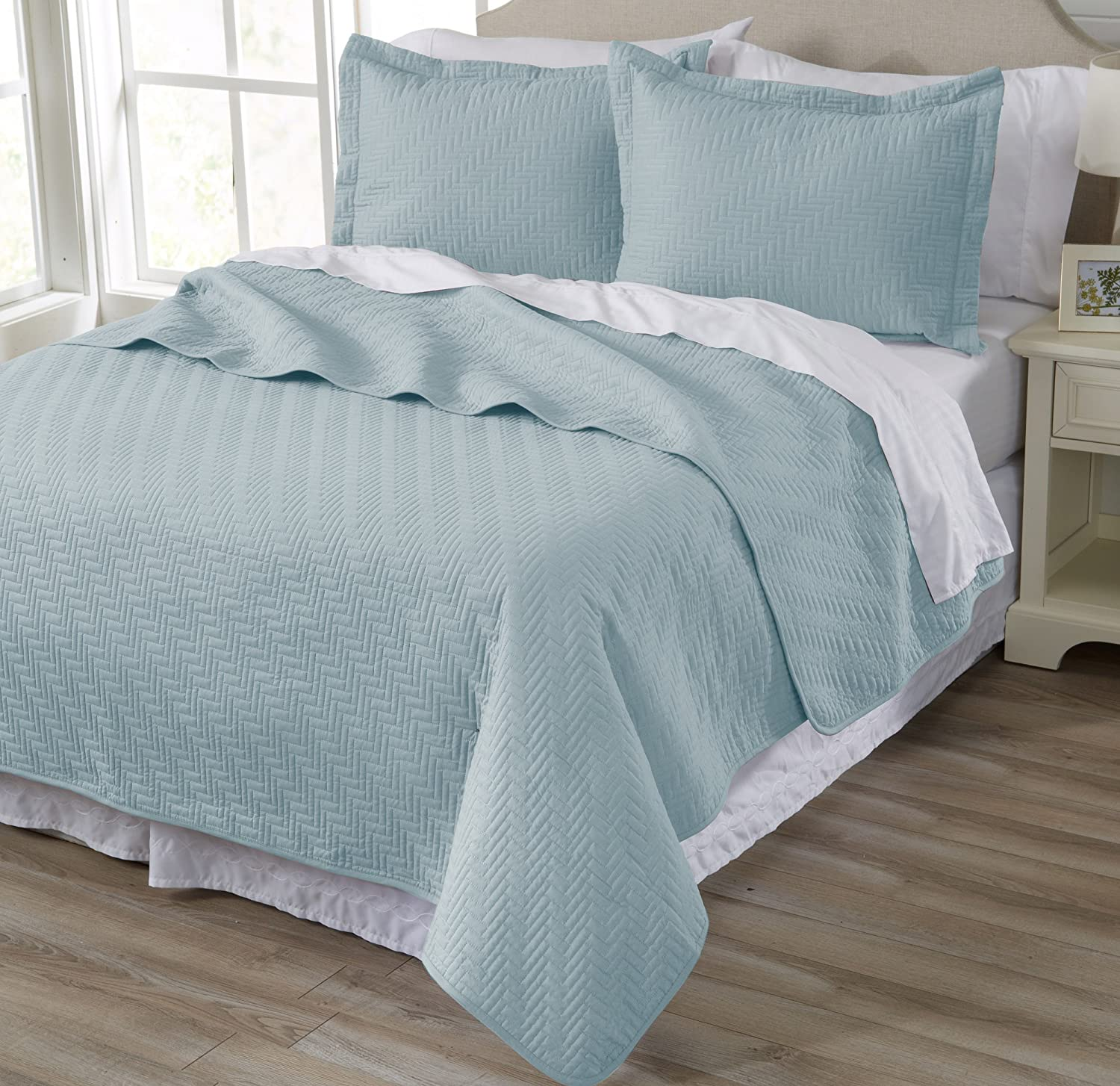 Home Fashion Designs 3-Piece All Season Quilt Set. Full/Queen Size Quilt with 2 Shams. Soft Microfiber Bedspread and Coverlet. Emerson Collection (Cloud Blue)