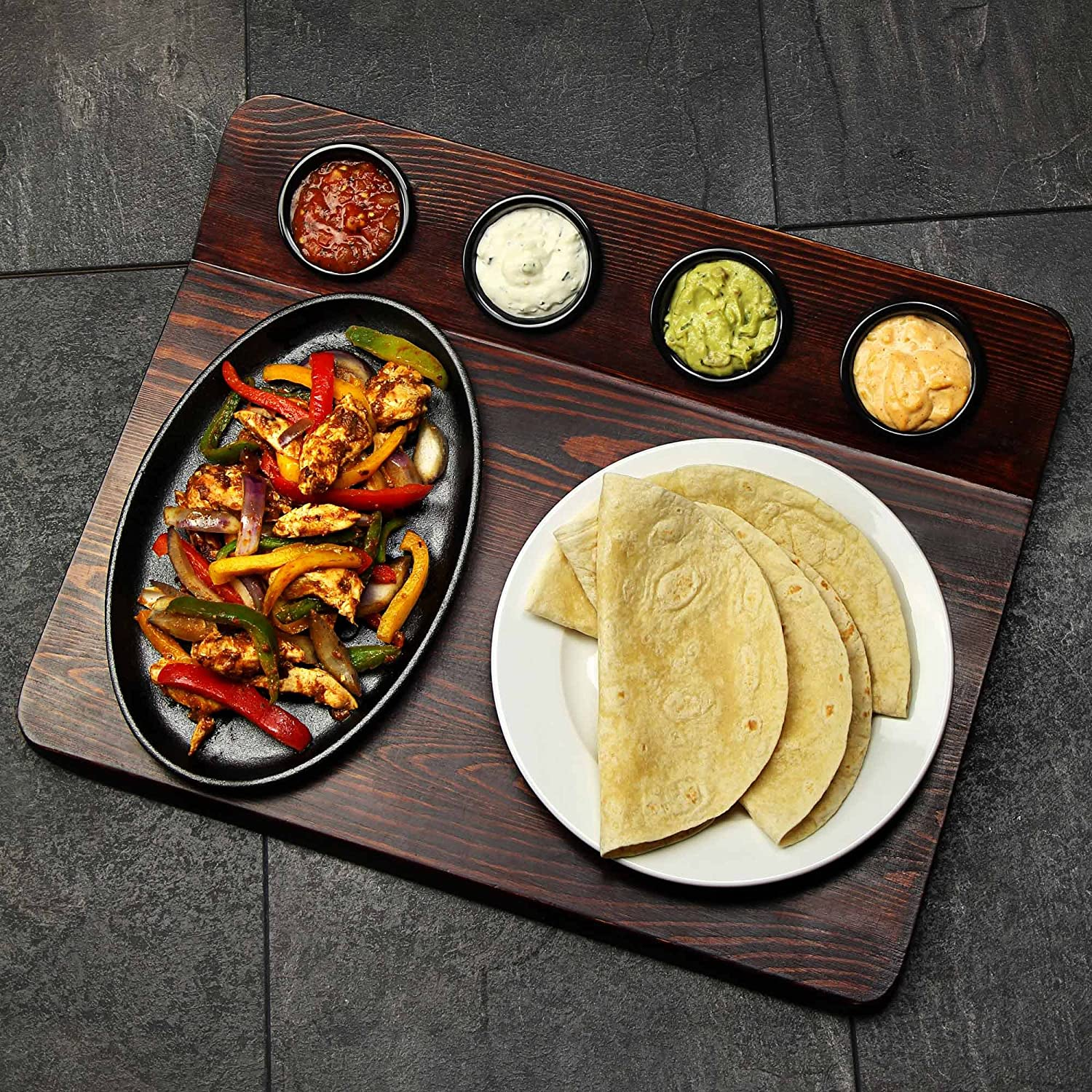 Fajita Serving Board with Sizzle Platter and 4 Ramekins for Presenting Fajitas from Oven to Table dine@drinkstuff