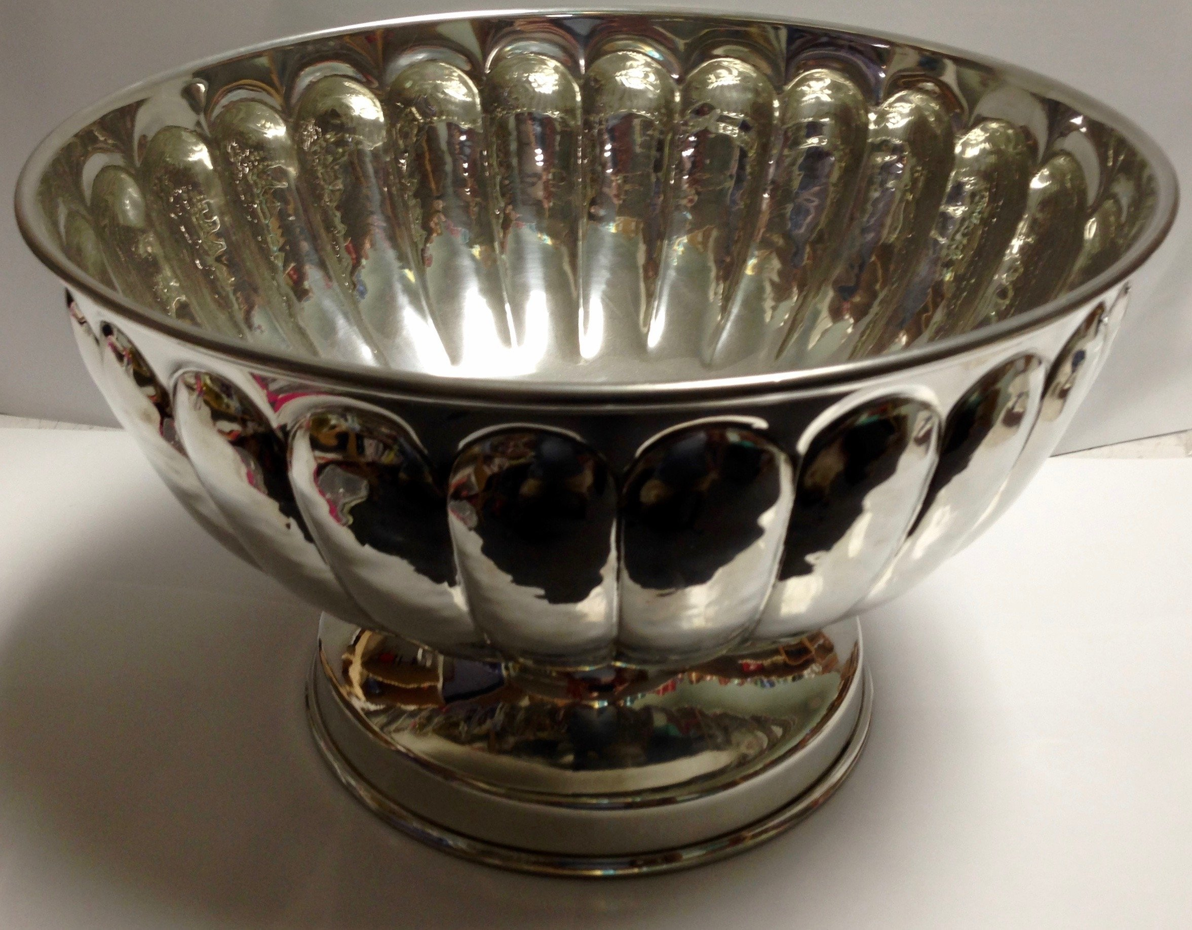 Old Newbury Crafters Punch Bowl