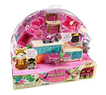Lil WOODZEEZ Kitchenette Housekeeping Set