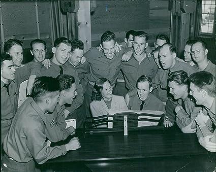 Vintage photo de Michele Morgan, jugar teclados frente a de ...
