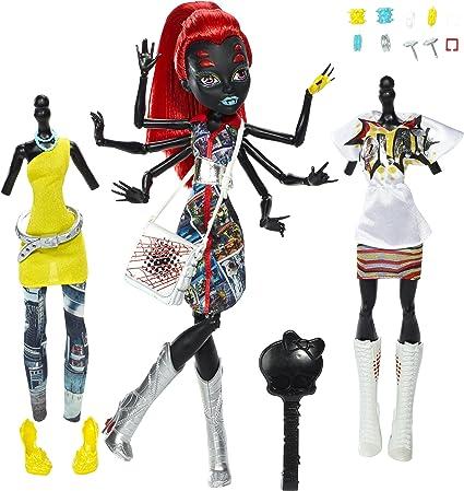 Amazon Com Mattel Cbx44 Monster High I Love Fashion Wydowna Spider Doll 10 5 Toys Games