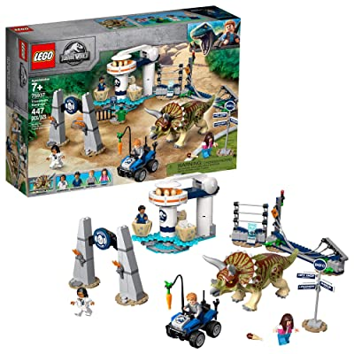 LEGO Jurassic World Triceratops Rampage 75937 (447 Pieces): Toys & Games