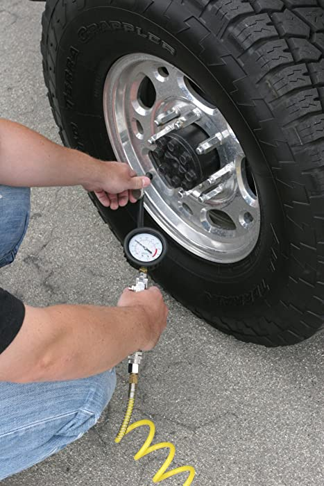 Viair 45043 has a 25-foot hose with a coupler for reaching all your car tires effortlessly.